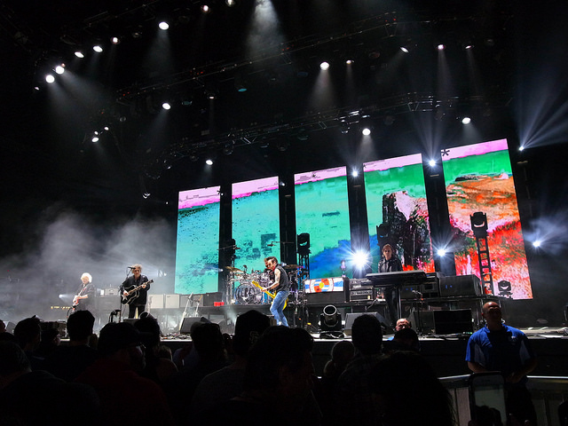 The Cure performing Just Like Heaven, Ridgefield, Washington, May 2016